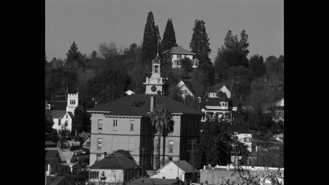 medium shot of town hall surrounded by houses, sonora, california, usa - local politics stock videos & royalty-free footage