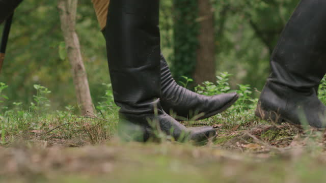 medium shot reenactment of the legs of marching soldiers during the 18th century - military uniform stock videos & royalty-free footage