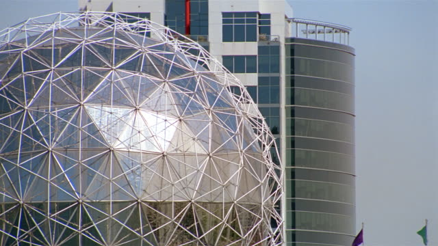 medium shot science world and skyscraper / vancouver - kelly mason videos stock videos & royalty-free footage