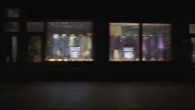 vídeos y material grabado en eventos de stock de medium shot side car point of view along manhattan street / new york city - plano americano
