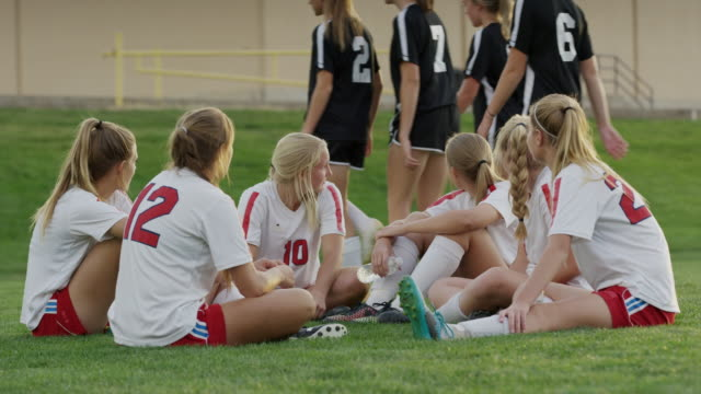 vidéos et rushes de medium slow motion shot of soccer team watching opponents leaving / springville, utah, united states - springville utah