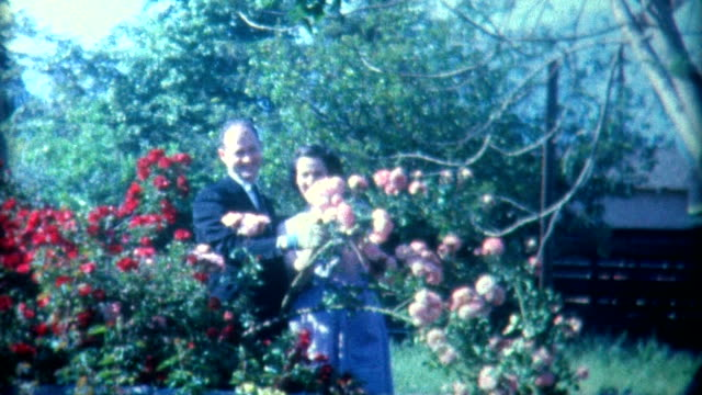 stockvideo's en b-roll-footage met meet the parents 1940's - archief