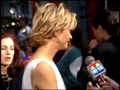 meg ryan at the 'french kiss' premiere at grauman's chinese theatre in hollywood california on may 1 1995 - zungenkuss stock-videos und b-roll-filmmaterial