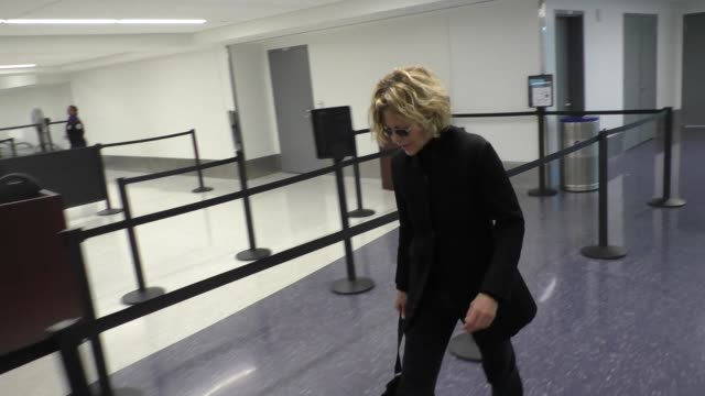 Meg Ryan catches her flight at LAX Airport in Los Angeles in Celebrity Sightings in Los Angeles