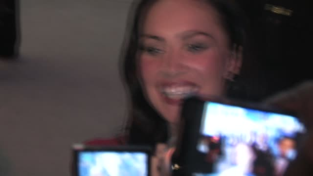 megan fox signs at jonah hex premiere los angeles at the celebrity sightings in los angeles at los angeles ca - megan fox stock videos and b-roll footage