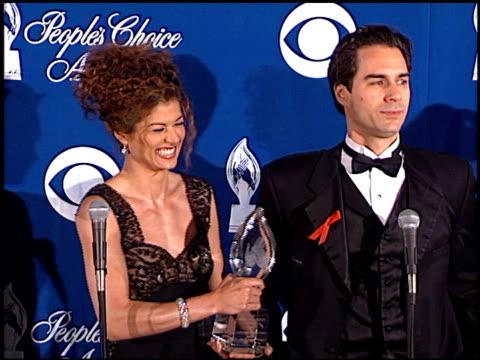 megan mullally at the 1999 people's choice awards at the pasadena civic auditorium in pasadena, california on january 10, 1999. - パサディナ公会堂点の映像素材/bロール