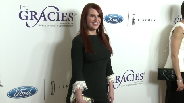 vídeos de stock, filmes e b-roll de megan mullally at the 43rd annual gracie awards at the beverly wilshire four seasons hotel on may 22 2018 in beverly hills california - megan mullally