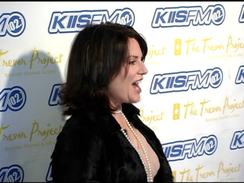 megan mullally at the trevor project's 'cracked xmas 7' honoring debra messing and megan mullally at the wiltern theater in los angeles california on... - debra messing stock-videos und b-roll-filmmaterial