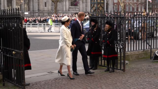 stockvideo's en b-roll-footage met meghan, duchess of sussex, prince harry attend the commonwealth service at westminster abbey on commonwealth day on march 11, 2019 in london, united... - westminster abbey