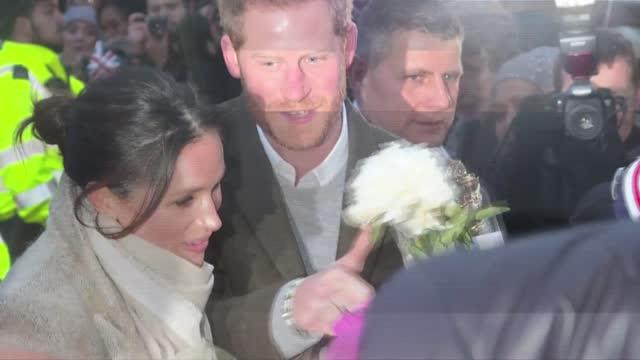 meghan markle está embarazada de su segundo hijo con el príncipe enrique de inglaterra, anunció el domingo por la noche, día de san valentín, el... - spokesman stock videos & royalty-free footage
