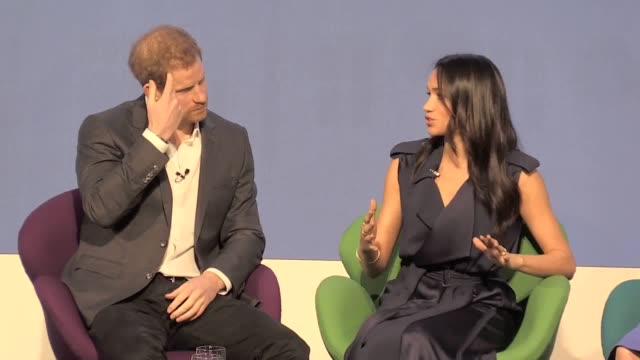 vídeos de stock, filmes e b-roll de meghan markle has joined prince harry and the duke and duchess of cambridge on stage as the royals set out their charitable vision for the future - realeza