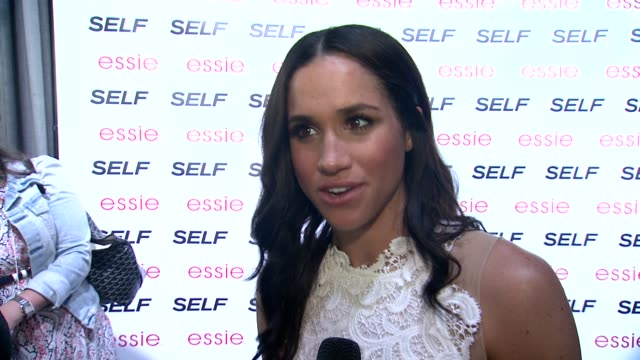 vídeos y material grabado en eventos de stock de interview meghan markle loves self magazine and is delighted to be at the party and talks about the upcoming season of nashville at self magazine... - entrevista acontecimiento