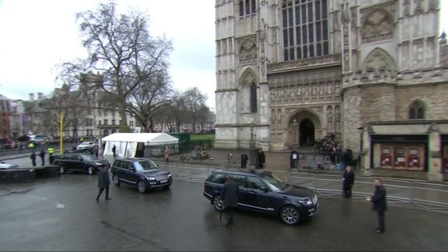 meghan markle makes first official appearance with the queen england london westminster abbey sot*** royal convoy along to park in front of church... - wales stock-videos und b-roll-filmmaterial