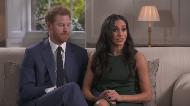 vídeos de stock, filmes e b-roll de meghan markle saying she doesn't see it as giving up her acting career but the start of a new chapter - aliança de noivado