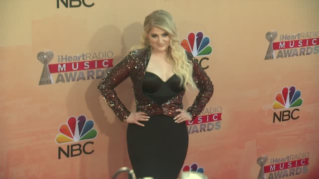 vídeos de stock, filmes e b-roll de meghan trainor at the 2015 iheartradio music awards red carpet arrivals at the shrine auditorium on march 29 2015 in los angeles california - shrine auditorium