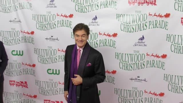 mehmet oz at the 86th annual hollywood christmas parade on november 26, 2017 in hollywood, california. - メフメト オズ点の映像素材/bロール