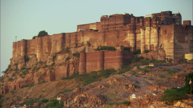 ms, pan, mehrangarh fort on hill, jodhpur, rajasthan, india - fortress stock videos and b-roll footage