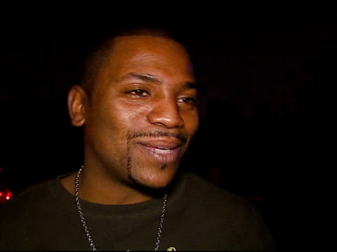 mekhi phifer on playing x box games, being excited to see gears of war, on the party in the cemetary, on his halloween plans at the xbox 360 'gears... - ギアーズオブウォー点の映像素材/bロール