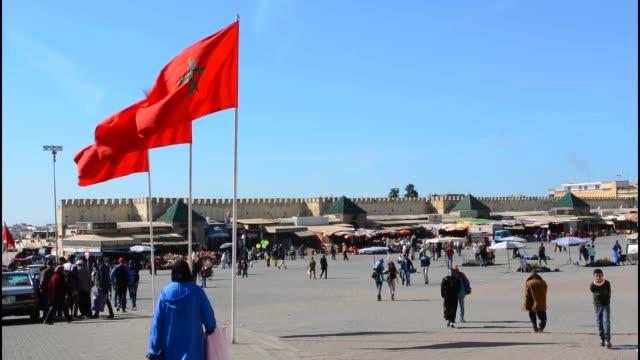 vidéos et rushes de meknes morocco main square of city medina in walled city downtown - maroc