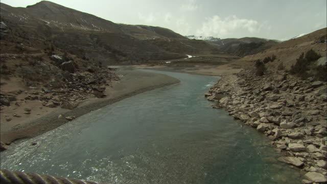 ws td mekong river and tibetan plateau, tibet, china - tibetan plateau stock videos & royalty-free footage
