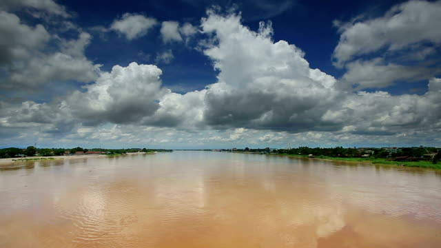 mekong river with beautiful cloudscape - horizon over land stock videos & royalty-free footage