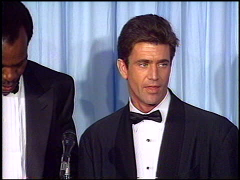 Mel Gibson at the 1988 Academy Awards at the Shrine Auditorium in Los Angeles California on April 1 1988