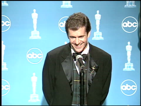 Mel Gibson at the 1996 Academy Awards at the Shrine Auditorium in Los Angeles California on March 25 1996