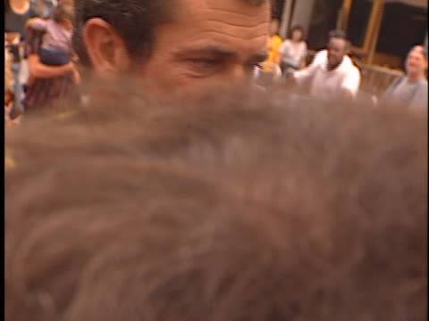 mel gibson at the chicken run premiere at universal - chicken wire stock videos and b-roll footage