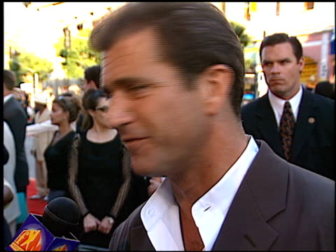 Mel Gibson at the 'Lethal Weapon 4' Premiere at Grauman's Chinese Theatre in Hollywood California on July 7 1998