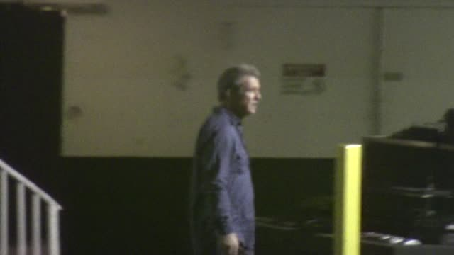 mel gibson leaving the beverly hilton hotel in beverly hills - the beverly hilton hotel stock videos & royalty-free footage