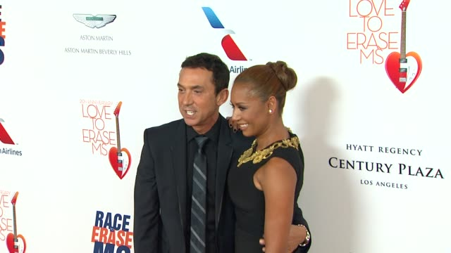 vidéos et rushes de melanie brown at the 20th annual race to erase love to erase on 5/3/13 in los angeles, ca . - gomme