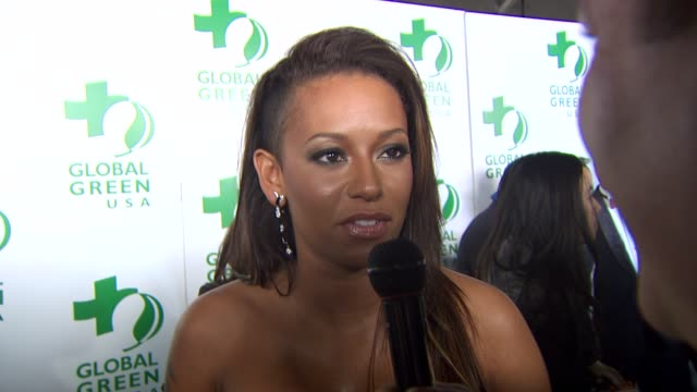 vídeos y material grabado en eventos de stock de melanie brown on being a part of the night, why it's important to save the environment at the global green usa's 7th annual pre-oscar party at... - fiesta de los óscar