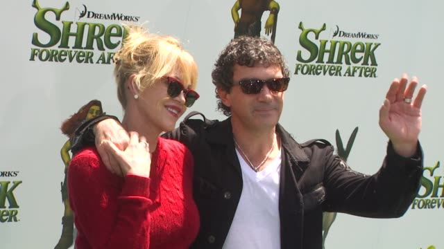 melanie griffith and antonio banderas at the 'shrek forever after' premiere at universal city ca - antonio banderas stock videos & royalty-free footage