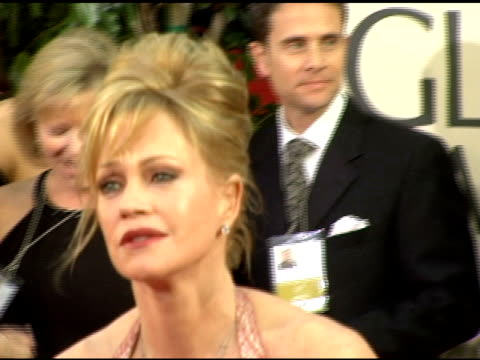 vídeos de stock, filmes e b-roll de melanie griffith at the 2006 golden globe awards arrivals at the beverly hilton in beverly hills california on january 16 2006 - melanie griffith