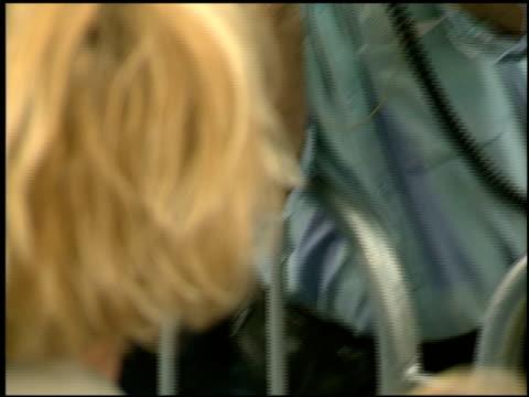 vídeos de stock e filmes b-roll de melanie griffith at the 'batman and robin' premiere on june 12, 1997. - melanie griffith