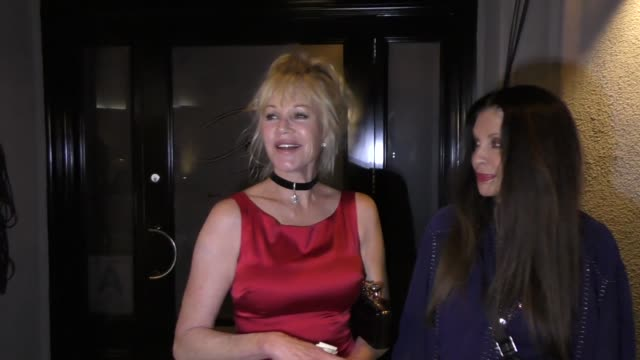vídeos de stock, filmes e b-roll de interview melanie griffith talks about turning 60 outside craig's restaurant in west hollywood in celebrity sightings in los angeles - melanie griffith