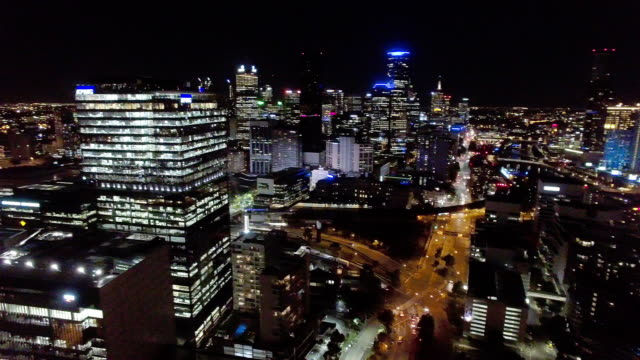 melbourne cbd at night, melbourne business district. - david ewing stock-videos und b-roll-filmmaterial