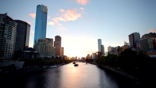 vídeos de stock, filmes e b-roll de rio sunet melbourne - melbourne austrália