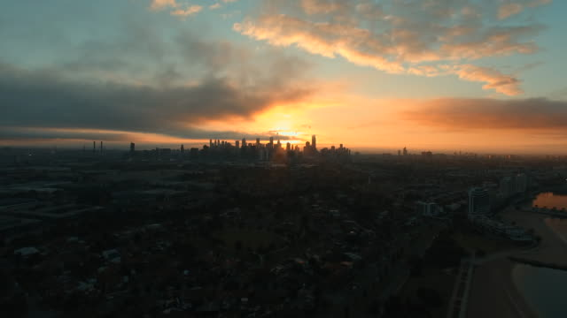 melbourne skyline at sunrise - sunrise dawn stock videos & royalty-free footage
