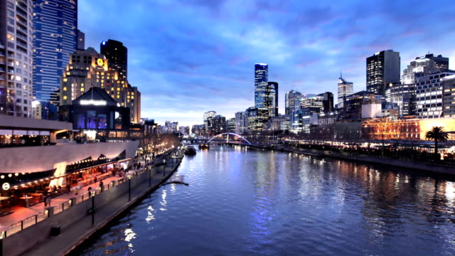 melbourne yarra river timelapse - skyline stock videos & royalty-free footage