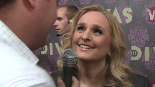 melissa etheridge at the 2009 vh1 divas red carpet at new york ny - vh1 stock-videos und b-roll-filmmaterial