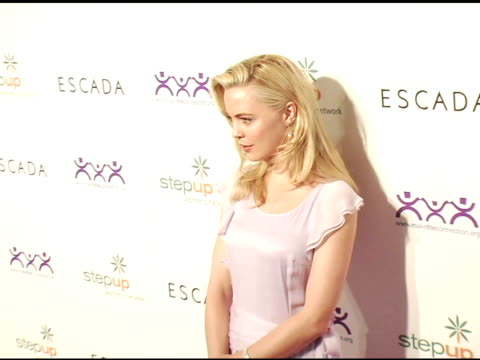 melissa george at the step up women's network inspiration awards sponsored by escada at the beverly hilton in beverly hills, california on april 27,... - escada stock-videos und b-roll-filmmaterial