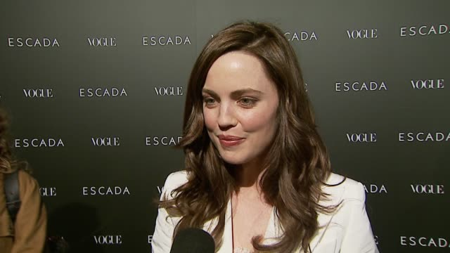 melissa george on her escada suit, on how escada is both young and classic, and on the new store opening at the the grand opening of the beverly... - escada stock-videos und b-roll-filmmaterial