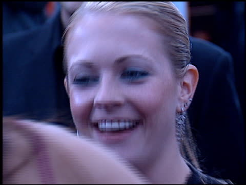 melissa joan hart at the 2002 people's choice awards at pasadena civic auditorium in pasadena california on january 13 2002 - pasadena civic auditorium stock videos & royalty-free footage