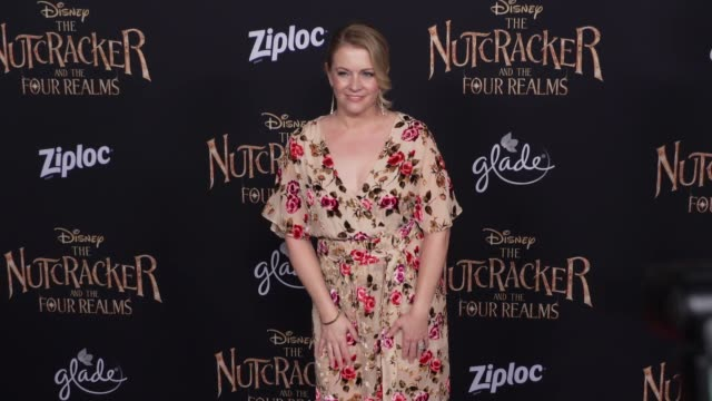 """melissa joan hart at the """"the nutcracker and the four realms"""" world premiere at dolby theatre on october 29, 2018 in hollywood, california. - melissa joan hart video stock e b–roll"""