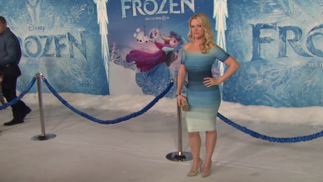 "melissa joan hart at walt disney animation studios'""frozen"" los angeles premiere in hollywood, ca, on . - melissa joan hart video stock e b–roll"