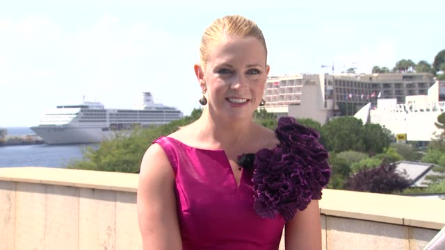 melissa joan hart on 2011 being her fashion year. at the 51st monte-carlo television festival at monte-carlo . - melissa joan hart video stock e b–roll