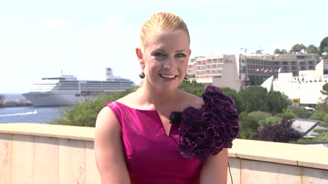 melissa joan hart on being in monte carlo, had been a few times before in different stages of her life at the 51st monte-carlo television festival -... - melissa joan hart video stock e b–roll