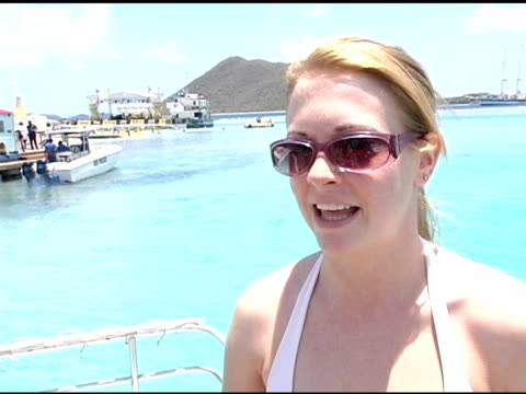 melissa joan hart on her current projects, and on directing her first short film at the jose cuervo celebratation of cinco de mayo on may 5, 2005. - directing stock videos & royalty-free footage