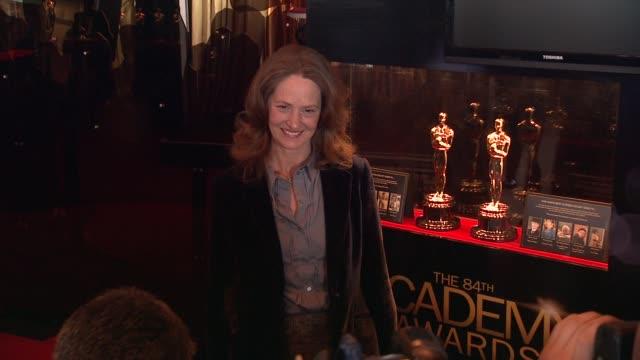 vídeos de stock, filmes e b-roll de melissa leo at 84th annual academy awards - 'meet the oscars' at new yorks grand central terminal on 2/22/12 in new york city, ny. - melissa leo